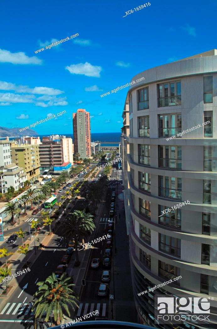 Stock Photo: 3 de mayo avenue in Santa Cruz de Tenerife.