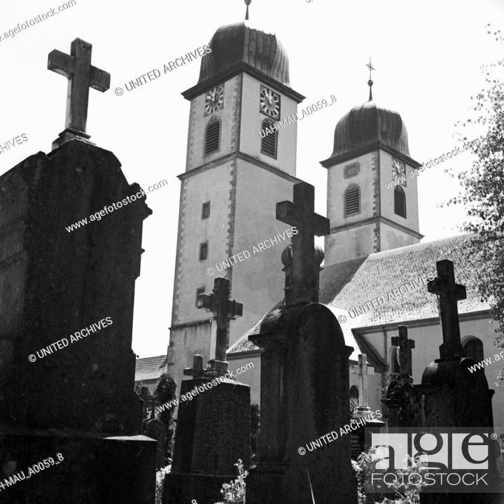 Stock Photo: Kirche in St. Märgen im Schwarzwald, Deutschland 1930er Jahre. Church at St. Maergen in the Black Forest, Germany 1930s.