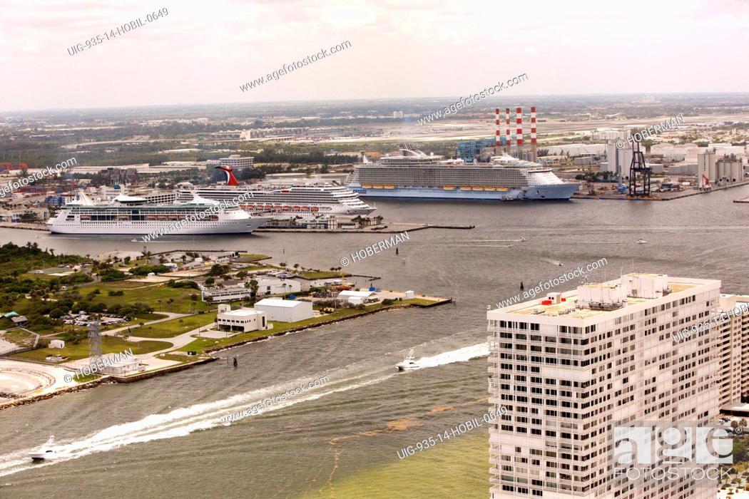 Stock Photo: Port Everglades, Florida.