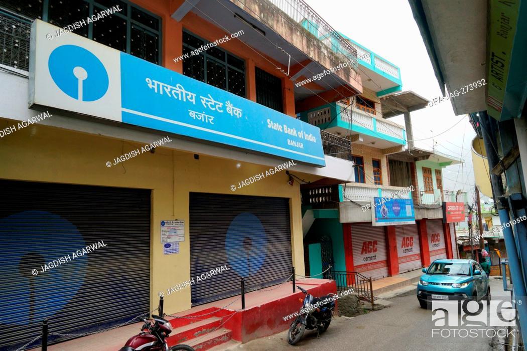 Stock Photo: State Bank of India, Narrow street traffic, Banjar town, Tirthan Valley, Kullu, Himachal Pradesh, India, Asia.