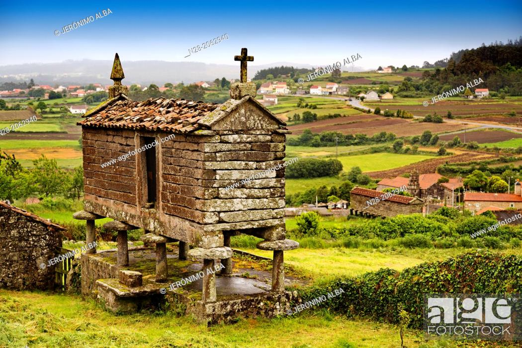 Stock Photo: Typical 'horreo', San Martin de Ozon, Way of St James, La Coruña province, Galicia, Spain.