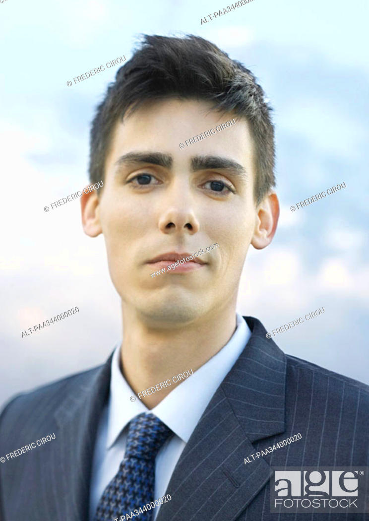 Stock Photo: Young businessman, portrait.