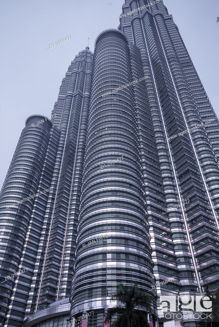 Imagen: Petronas twin towers in Kuala Lumpur, Malaysia.