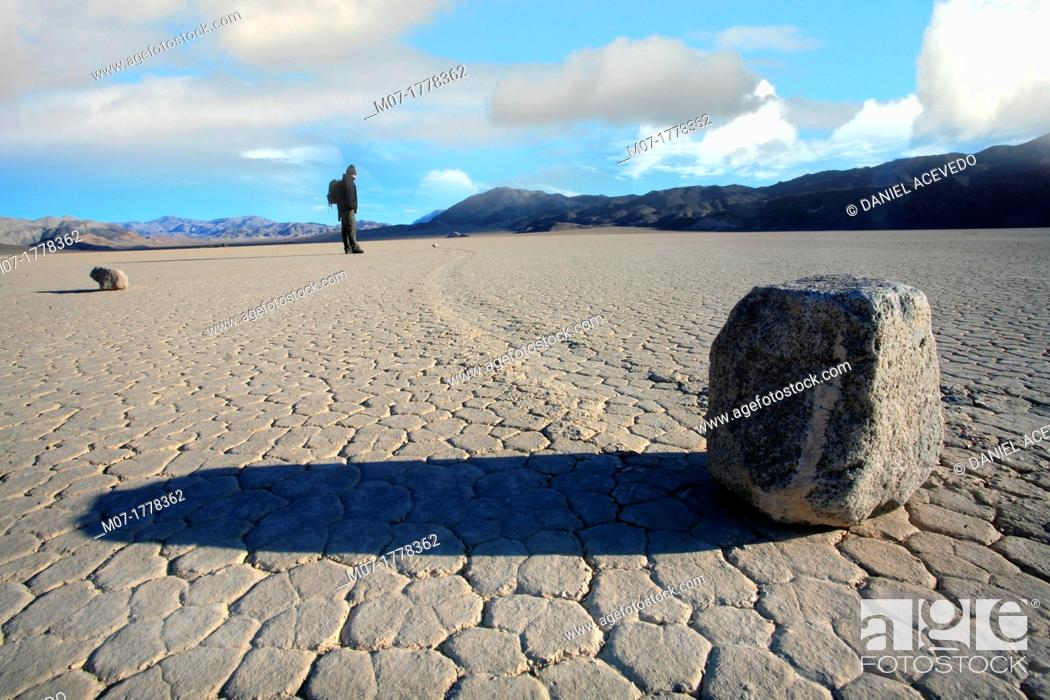 Stock Photo: Death Valley, Moving Rocks, California, USA.
