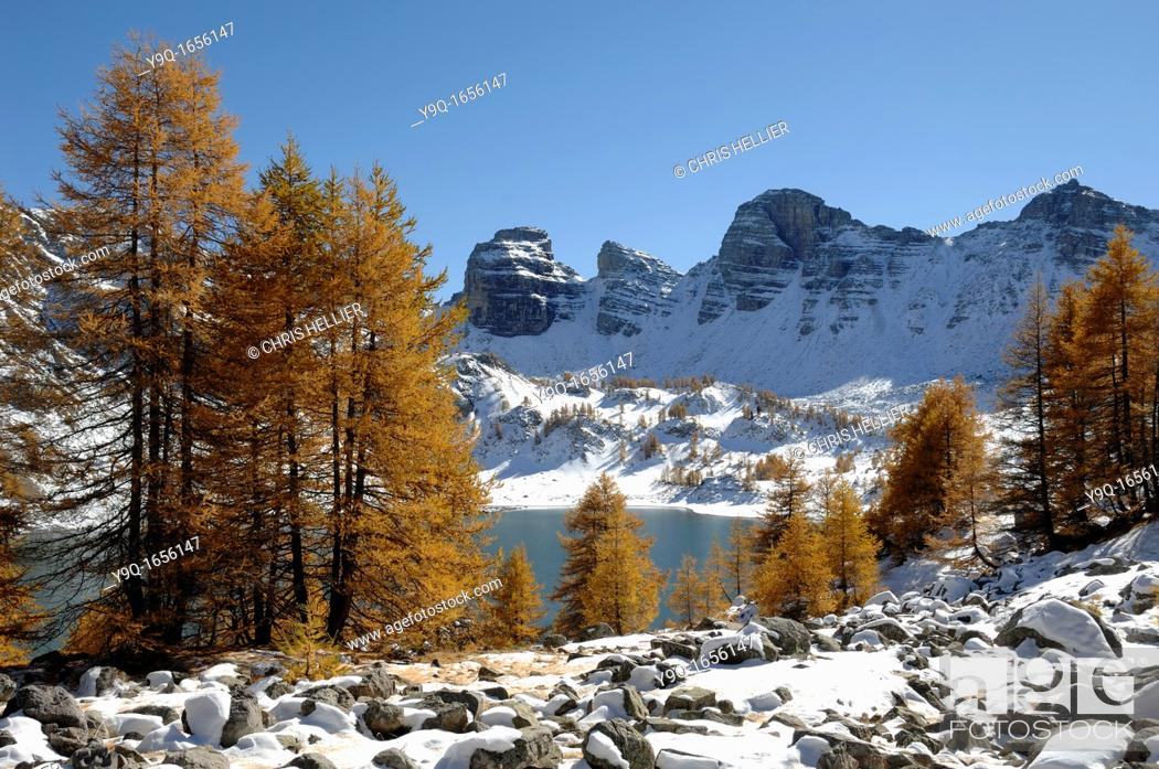 Imagen: Lake Allos in Winter Mercantour National Park Alpes-de-Haute-Provence French Alps France.