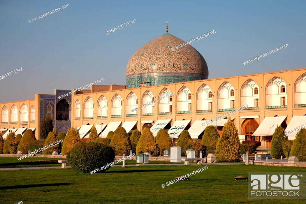 Stock Photo: Sheikh Lotfollah Mosque on Naghshe Jahan Square in Isfahan, Iran.