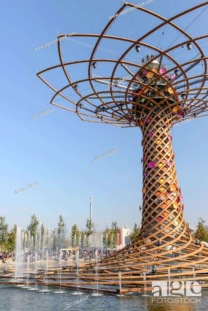 Milan Italy October 19 Expo 2015 Foreshortening Of The Symbol