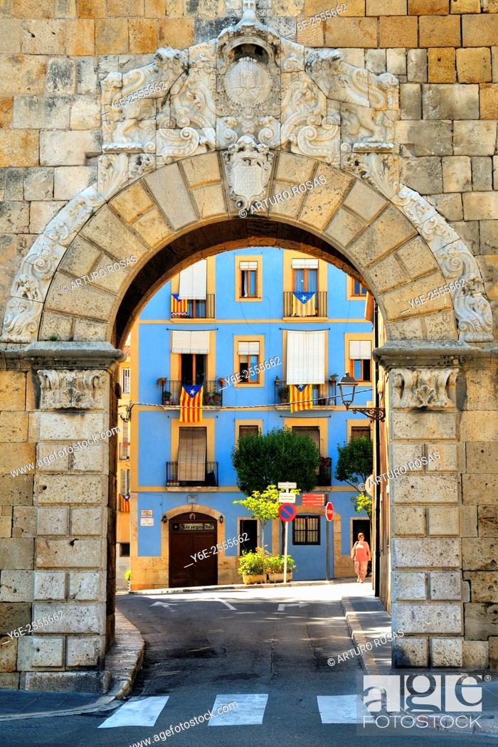 Stock Photo: Arch of St. Anthony. Tarragona.