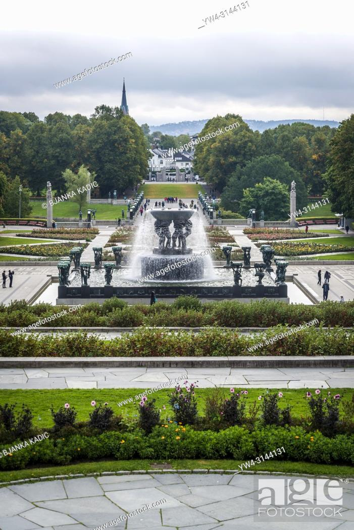 Photo de stock: Vigeland Sculpture Park, The Fountain, Oslo, Norway.