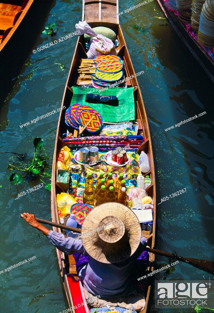 Stock Photo: Seller in the Damnoen Saduak floating market, 100 km away from Bangkok Thailand.