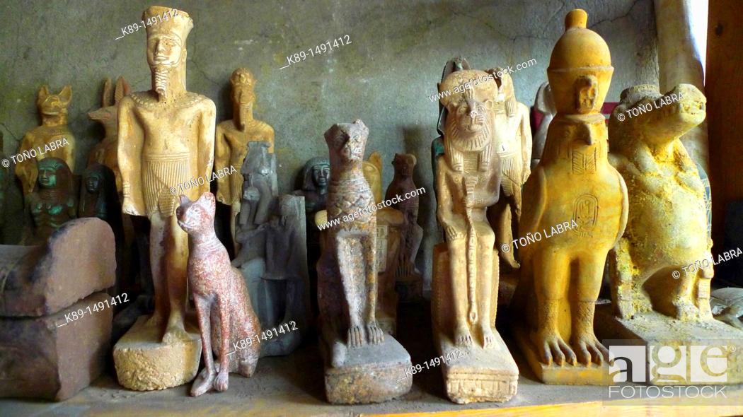 Stock Photo: Pharaonic sculptures, Islamic Quarter, Cairo, Egypt.