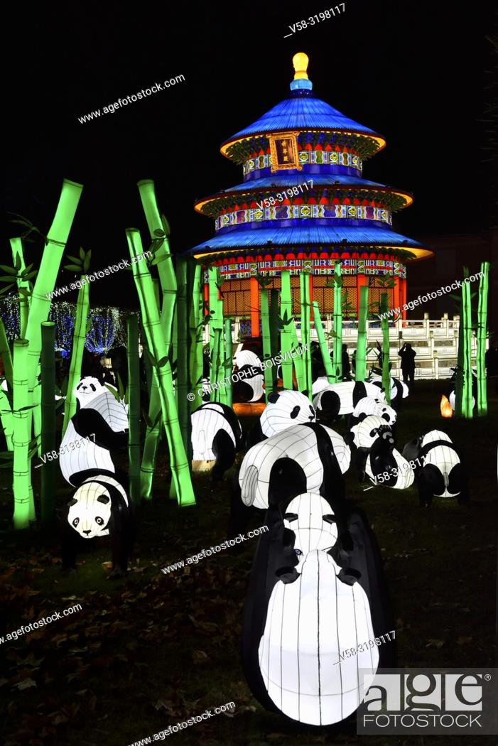 Imagen: France, Tarn, Gaillac, Festival des lanternes (Chinese Lantern Festival), Pandas and temple od sky. . The festival celebrates Chinese culture originating from.