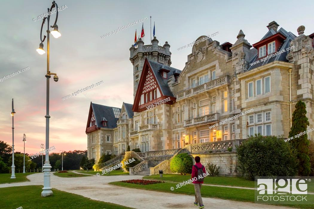 Stock Photo: Magdalena Palace at sunset, Santander. Cantabrian Sea. Cantabria Spain. Europe.