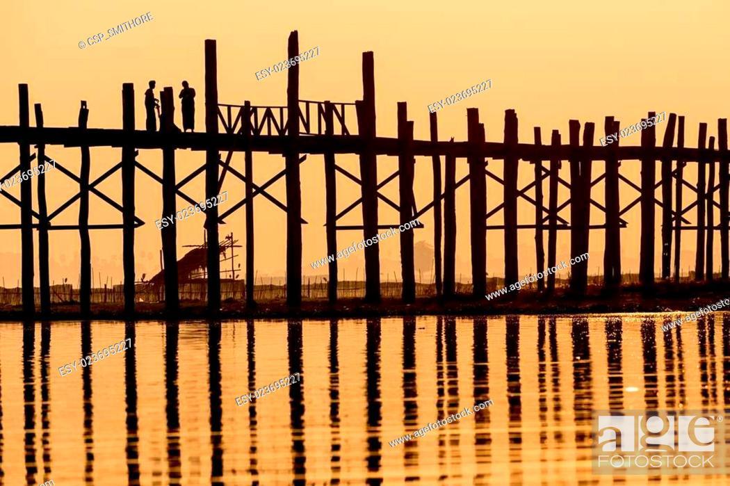 Stock Photo: U bein bridge in Myanmar.