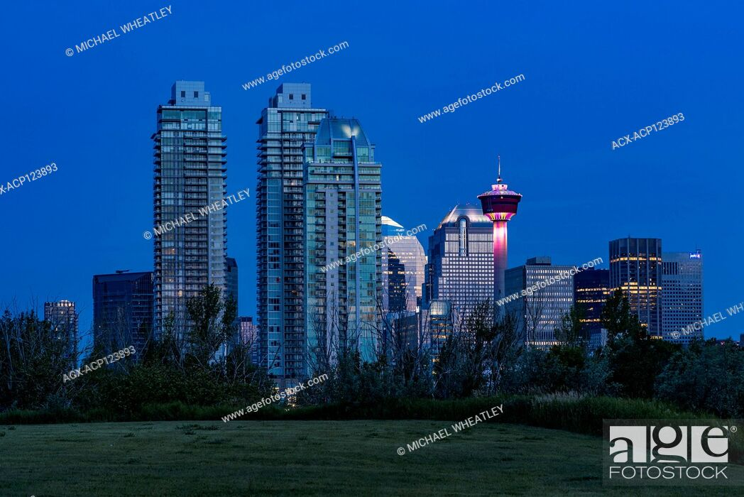 Stock Photo: Skyline with Calgary Tower, Calgary, Alberta, Canada.