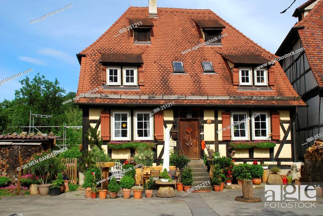 Imagen: Residential house on the grounds of the monastery Bebenhausen Tuebingen Baden Wuerttemberg Germany.