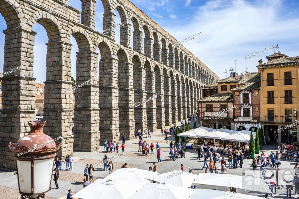 Imagen: Roman aqueduct of segovia. architectural monument declared patrimony of humanity and international interest by UNESCO.