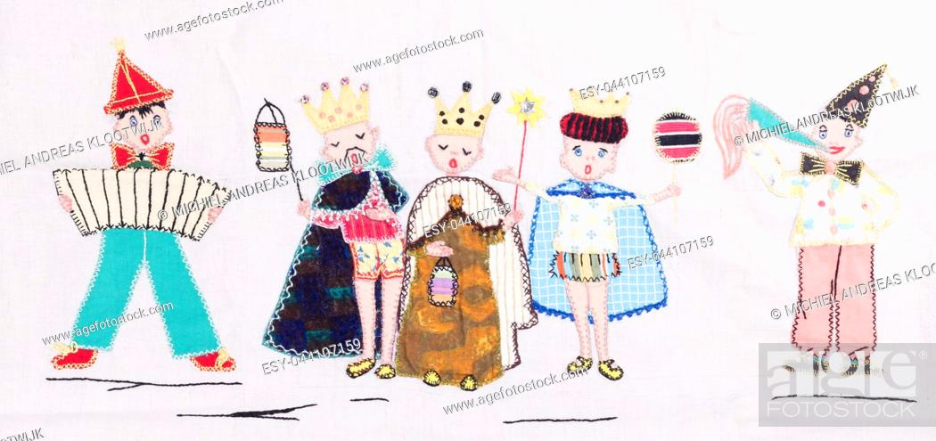 Imagen: Old handmade textile - Party with a king, queen and prince - Vintage piece.