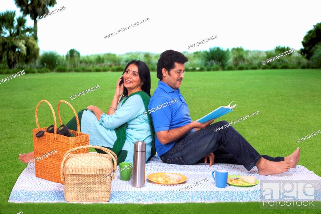 Stock Photo: Couple having a picnic.