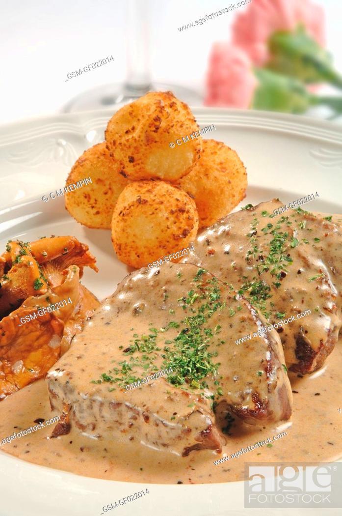 Imagen: Venison steak cooked in juniper sauce.
