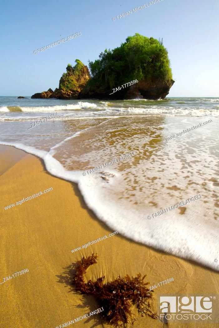 Stock Photo: Rock and beach at Playa Nivaldito, Eastern coast of Venezuela.