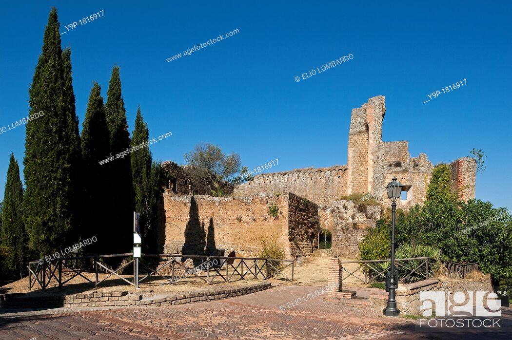Stock Photo: Rocca Aldobrandesca  Sovana, Grosseto, Tuscany, Italy.