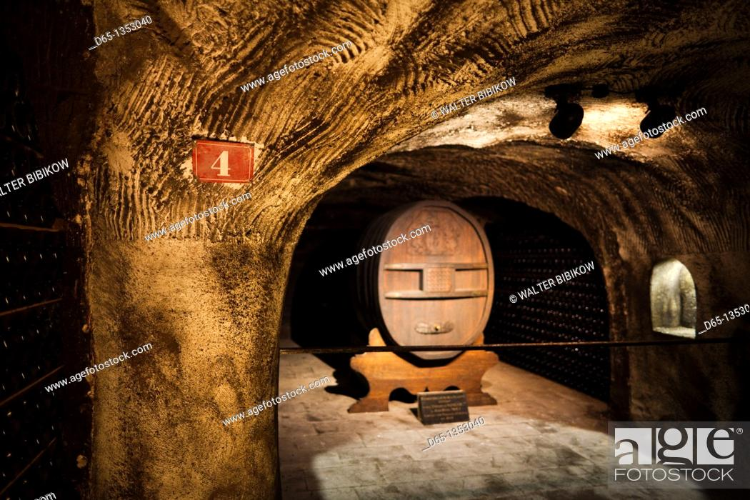 Stock Photo: France, Marne, Champagne Region, Epernay, Moet & Chandon champagne winery, giant champagne cask.