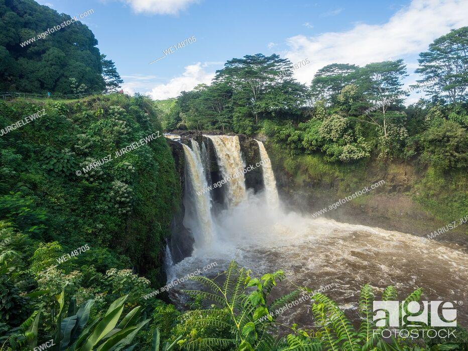 Stock Photo: Rainbow (Waianuenue) Falls is a waterfall located in Hilo, Hawaii.