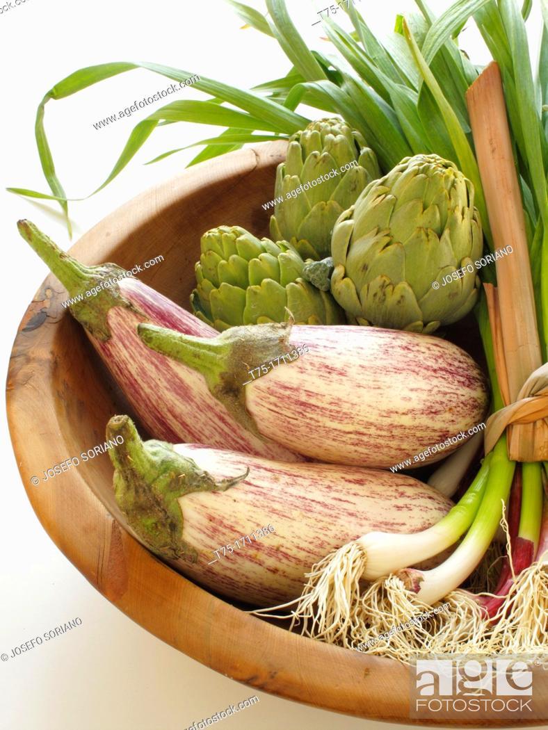Stock Photo: Garlic, artichokes and aubergines.