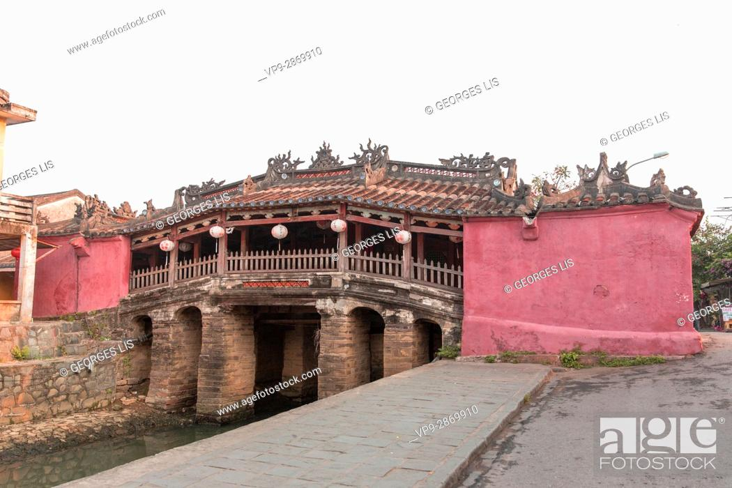 Stock Photo: old 1593 year japanese covered bridge Hoi An Vietnam.