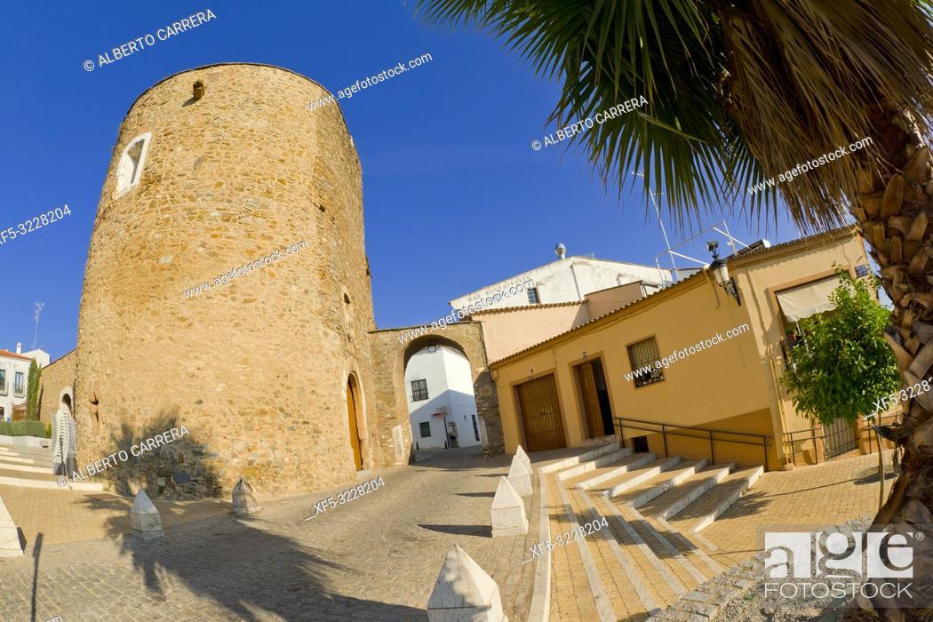 Stock Photo: Puerta de Badajoz, Puerta del Cubo, Arco del Cubo, City Wall, Zafra, Badajoz, Extremadura, Spain, Europe.
