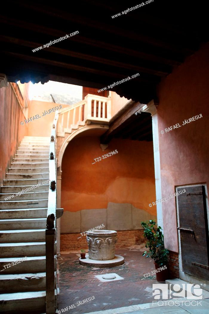 Stock Photo: Venice (Italy). Interior access of a house in the city of Venice.