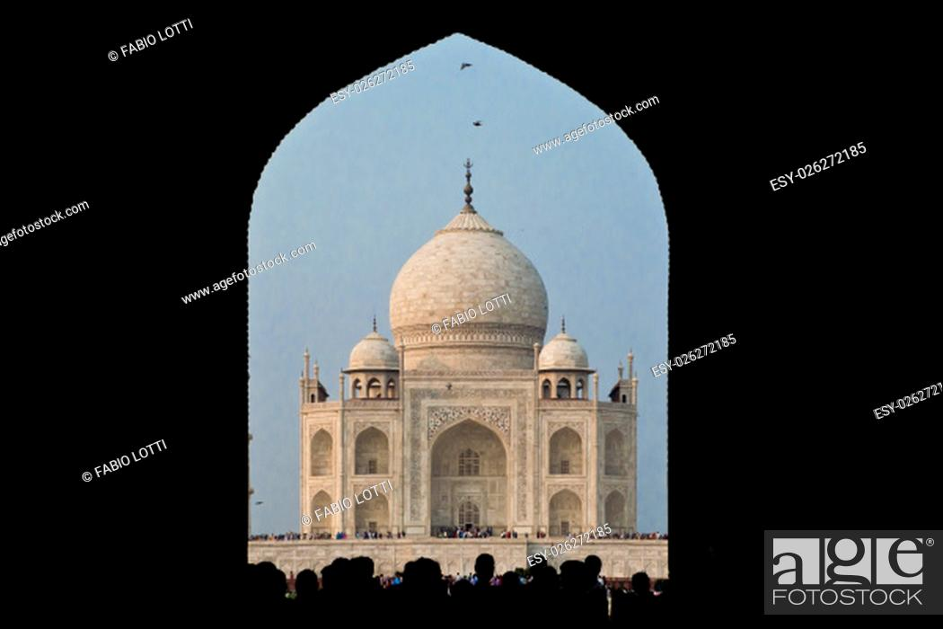 Stock Photo: AGRA, INDIA - 23 OCTOBER 2013.