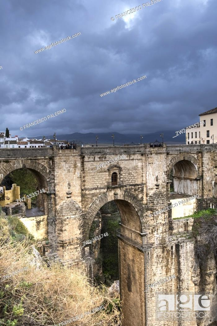 Imagen: Ethereal landscape after the storm. Ronda, Andalusia. spain.