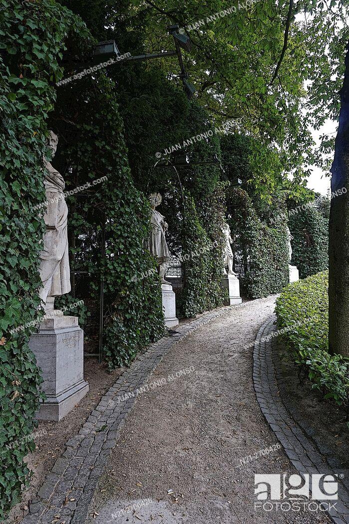Stock Photo: Statues at Le Petit Sablon Square, Brussels, Belgium, Europe.