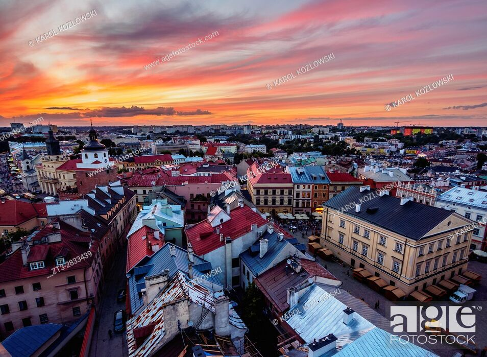 Imagen: Poland, Lublin Voivodeship, City of Lublin, Old Town, Elevated view of the Market Square at sunset.