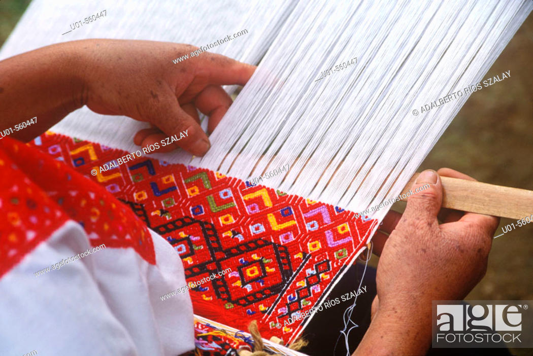 Stock Photo: Waist Loom Chiapas Mexico.