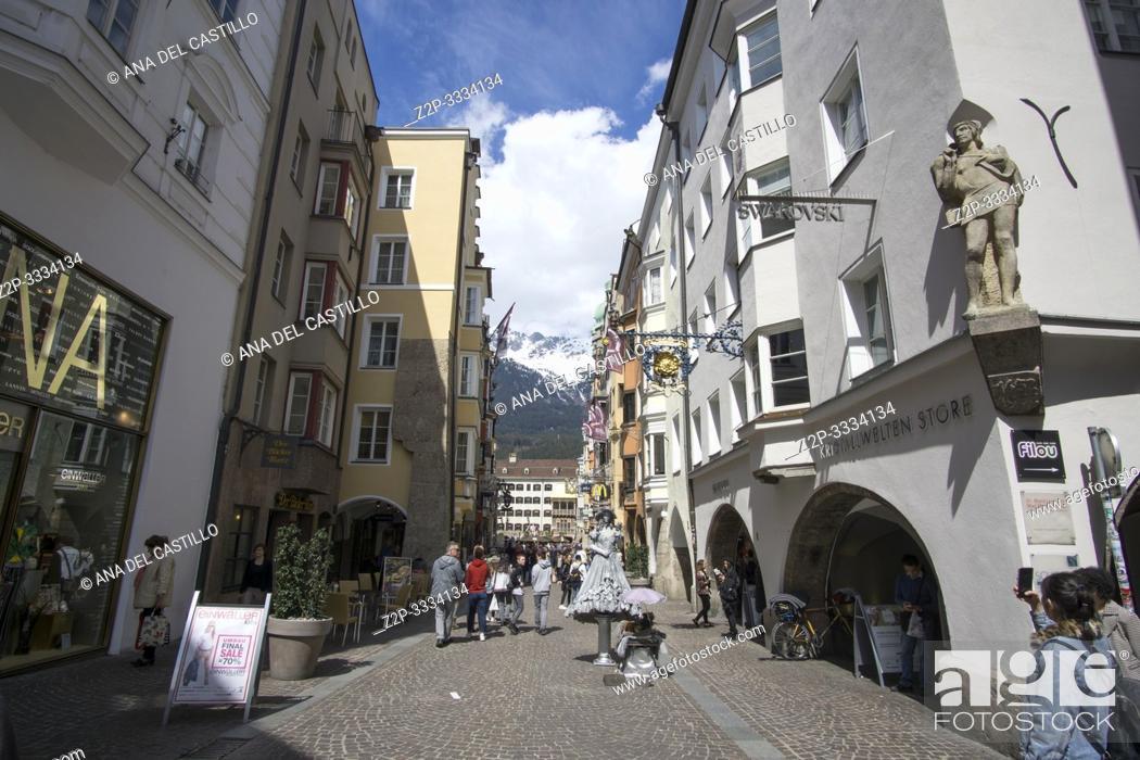 Imagen: Innsbruck city center Austria on April 16, 2019: Maria-Theresien-Strasse Easter time.