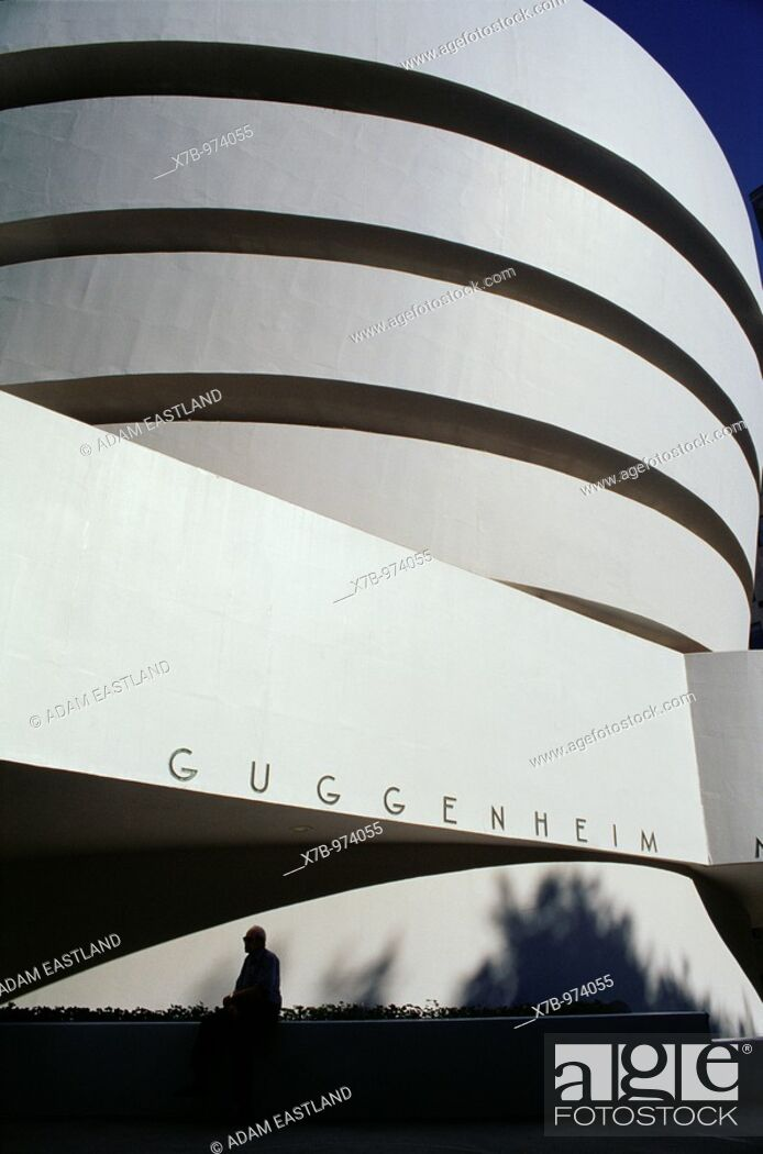 Stock Photo: Manhattan, New York, USA  Solomon R  Guggenheim Museum on Fifth Avenue, designed by Frank Lloyd Wright.