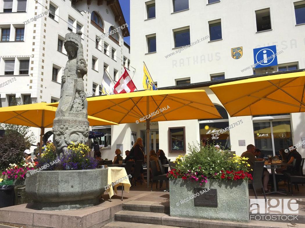Stock Photo: Switzerland, Graubunden Canton, Saint Moritz, Fountain.