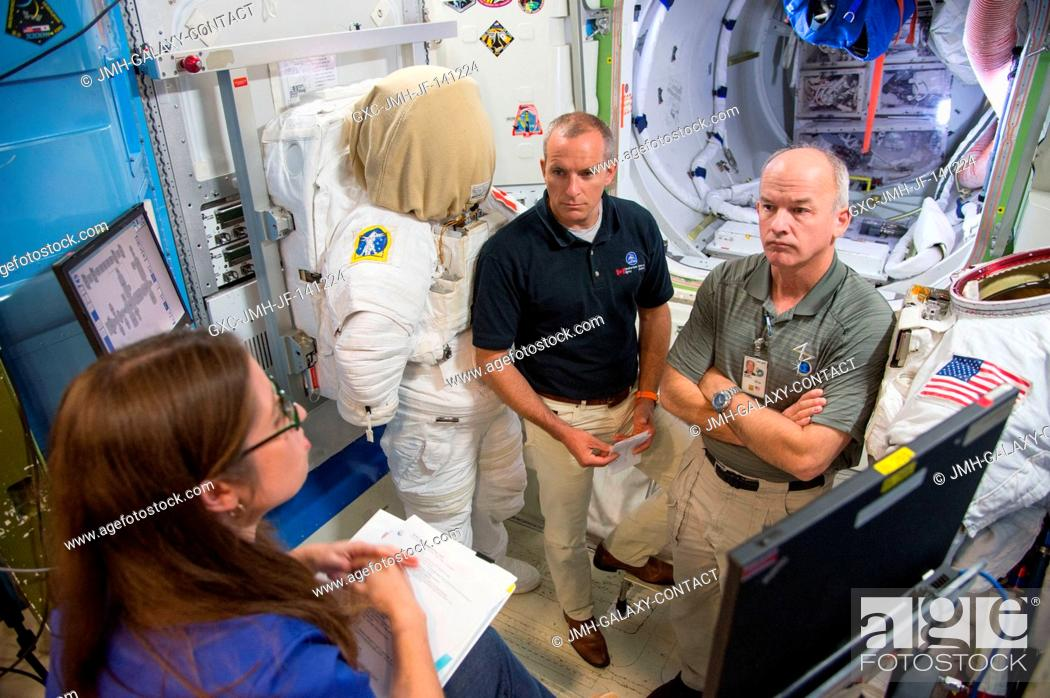 Stock Photo: NASA astronaut Jeff Williams (right), Expedition 47 flight engineer and Expedition 48 commander; and Canadian Space Agency astronaut David Saint-Jacques.