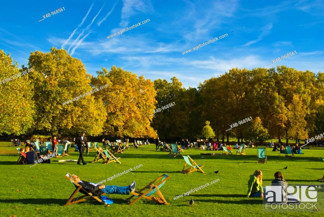 Stock Photo: Green Park central London England UK.