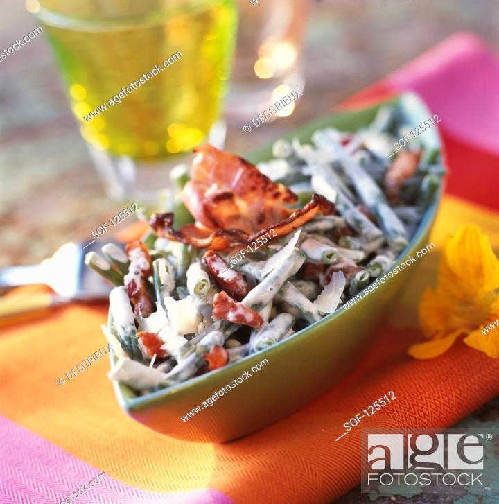 Stock Photo: Green beans à la carbonara.