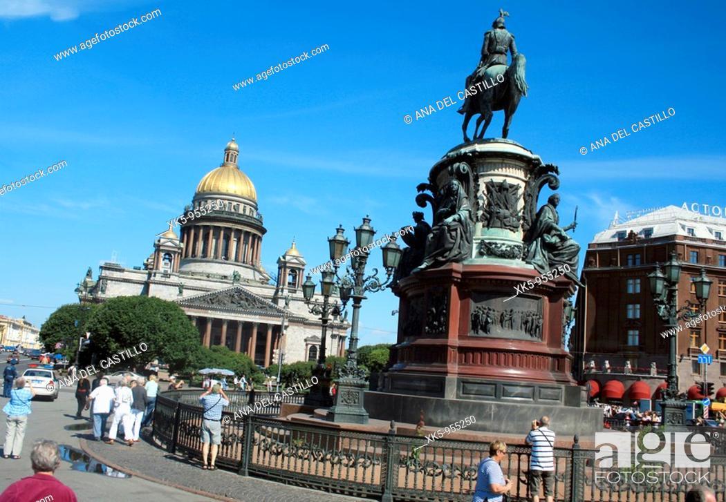 Stock Photo: Saint Isaac square in Saint Petesburg, Russia.