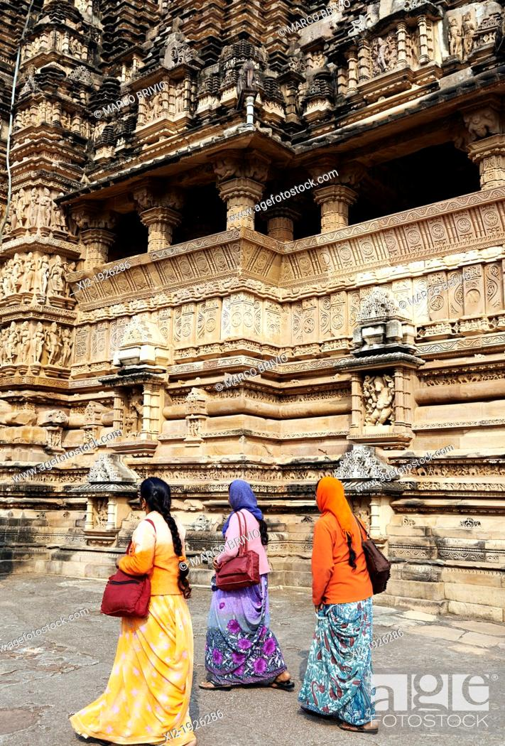 Stock Photo: Khajuraho, Madhya Pradesh, India  Vishvanath temple.