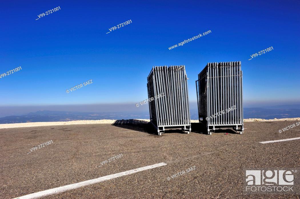 Stock Photo: barriers, mont-ventoux, France.