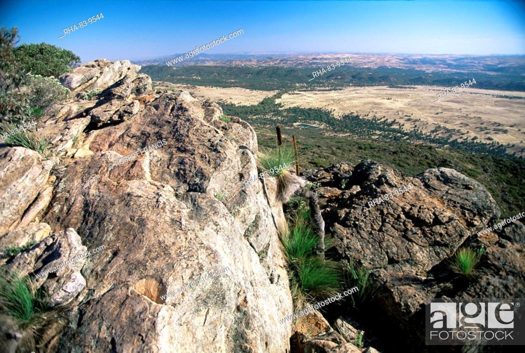 Stock Photo: View northeast from Mount Ohlssen-Bagge on east escarpment of Wilpena Pound, Flinders Ranges National Park, South Australia, Australia, Pacific.