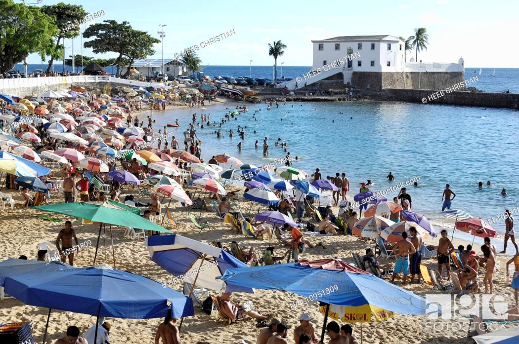 Stock Photo: South America, Brazil, Bahia, Northeast, Monte serrat, beach, crowd, city, coast, people, summer.