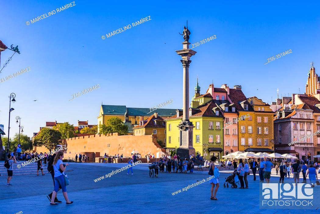 Stock Photo: Castle Square is a historic square in front of the Royal Castle. It is a popular meeting place for tourists and locals. The Square.