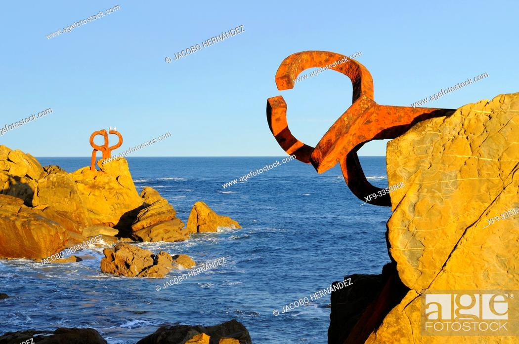 Stock Photo: Peines del Viento. Sculpture by Eduardo Chillida. La Concha Bay.San Sebastián. Donostia. Guipúzcoa province. País Vasco. Spain.